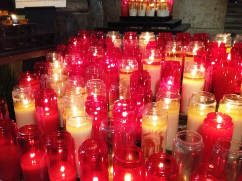 asilica_sacred_heart_paris_candles