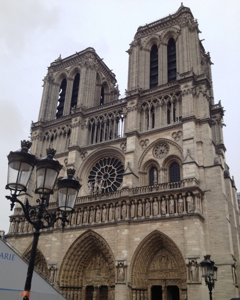 Notre_Dame_Cathedral_Paris_outside