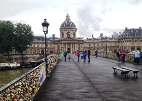 Pont_des_Arts_bridge_view