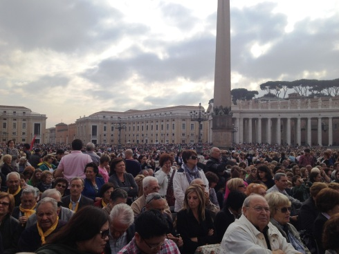 Saint Peter's Square in Rome | www.the-wild-child.com