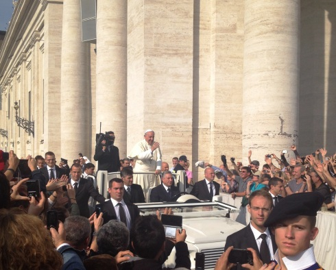 Seeing Pope Francis at Saint Peter's Square | www.the-wild-child.com