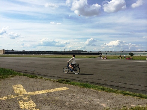 Biking in Tempelhof #Berlin | www.the-wild-child.com