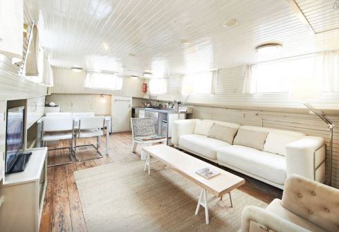 Houseboat | www.the-wild-child.com